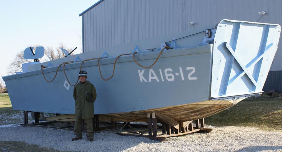 WW2 Higgins Boat furthermore Higgins PT Boat moreover Peru Traditional ...